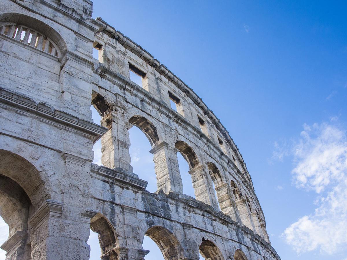 Ore 08.20 - Visita del Colosseo e dei Fori Imperiali