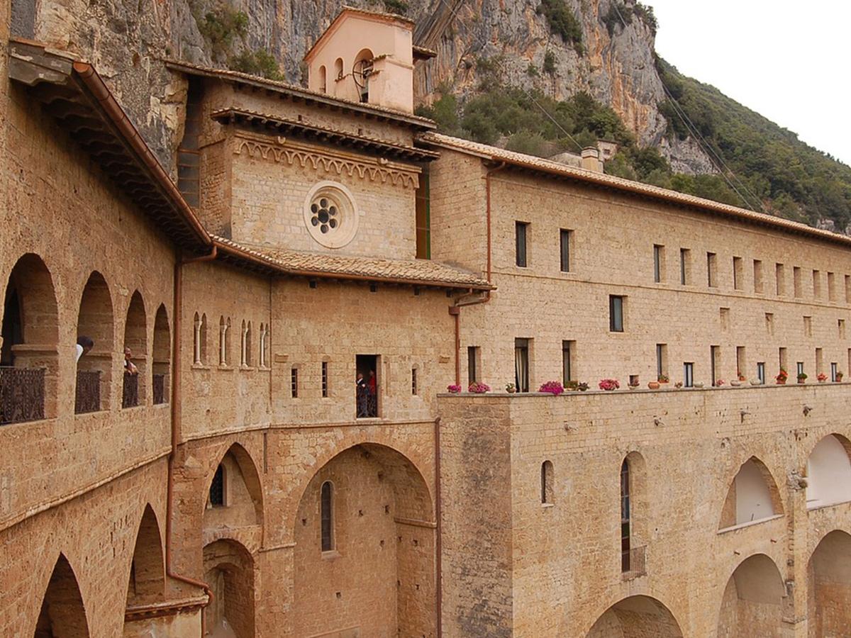 Giorno 1 - Trasferimento da Roma in Agriturismo, Check in e Pernottamento