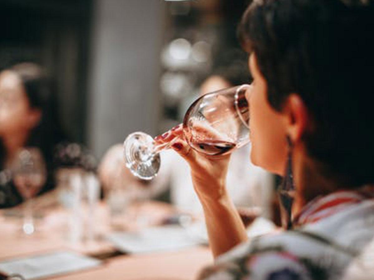 Ore 10.30 - Visita Azienda Agricola & Degustazione vino