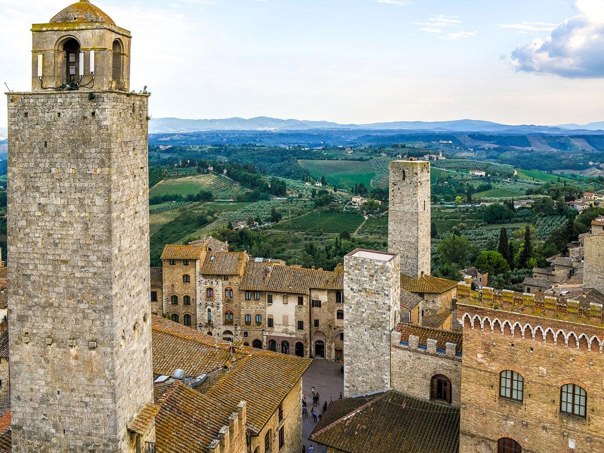 Ore 15.30  Arrivo a San Gimignano & Visita