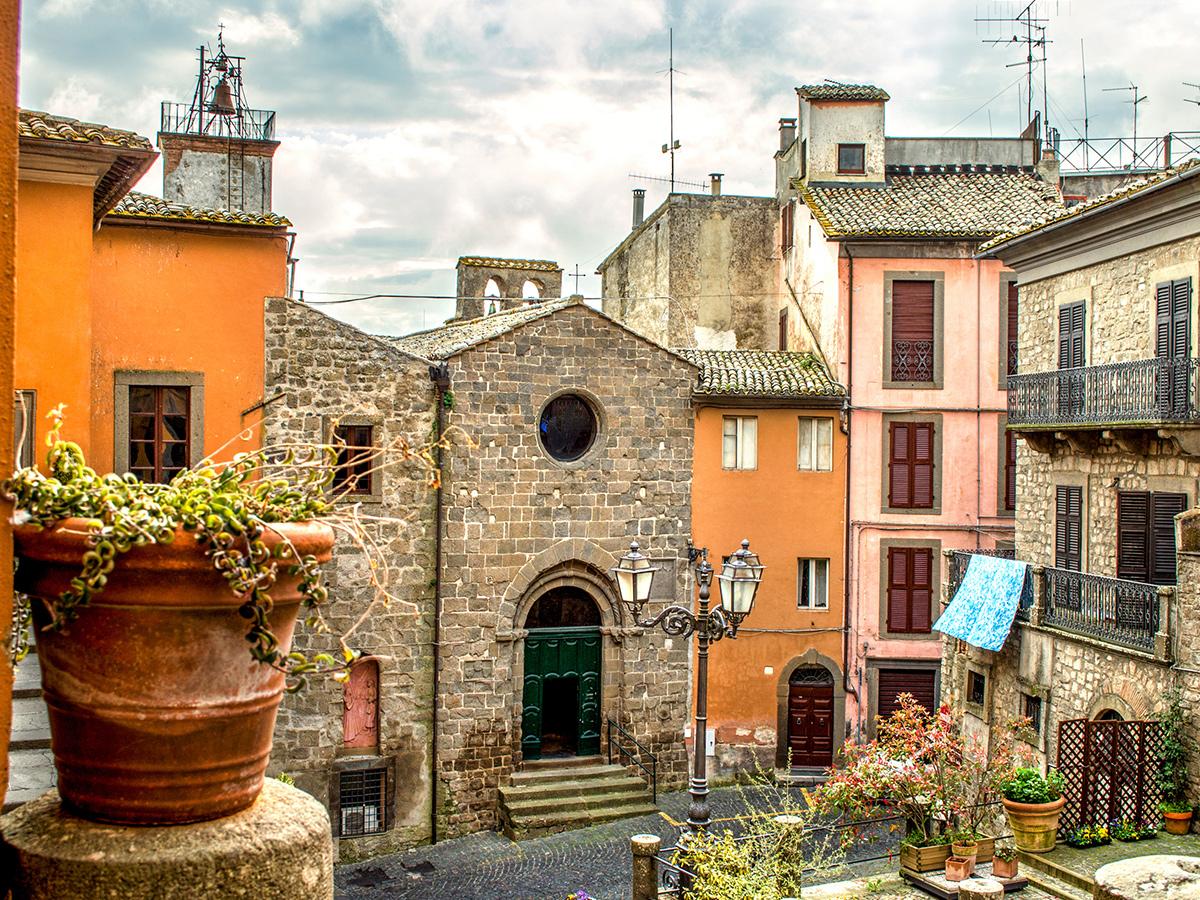 Giorno 1 - Trasferimento da Roma a Montefiascone e Check in Hotel