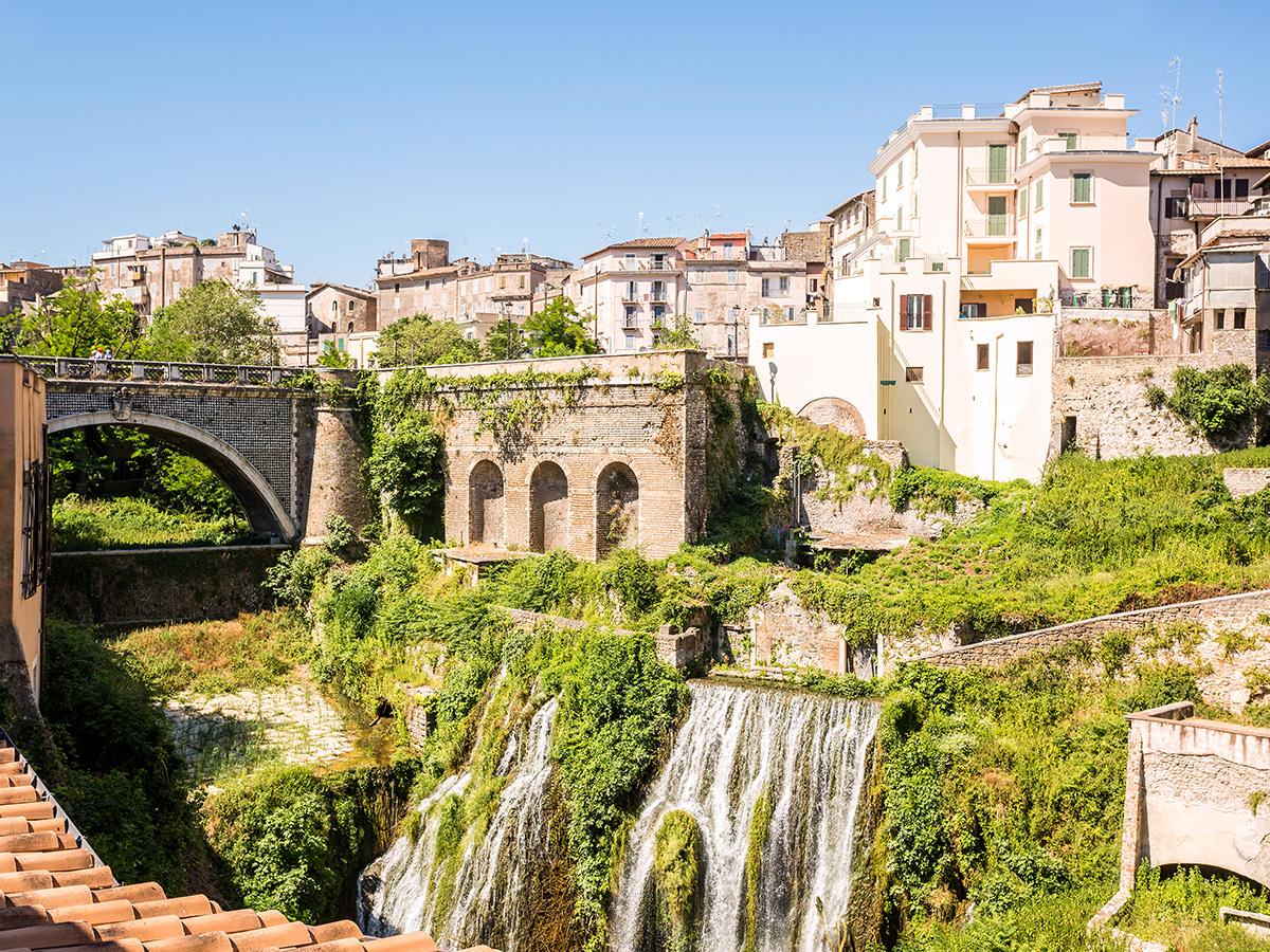 Giorno 3 - Visita di Villa Gregoriana, Tivoli e trasferimento a Roma