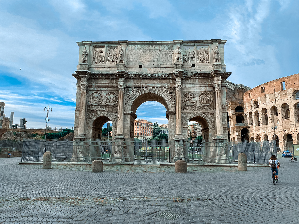 Ore 10.30 Arrivo a Roma e Tour Guidato a piedi di 2 ore