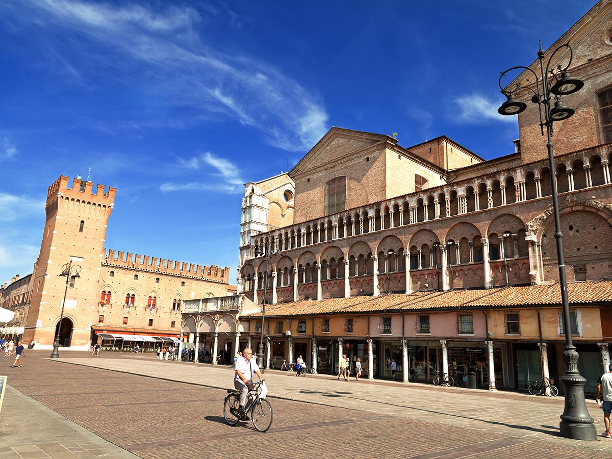 Ore 15.00 Arrivo a Ferrara e Visita (guida NON prevista)