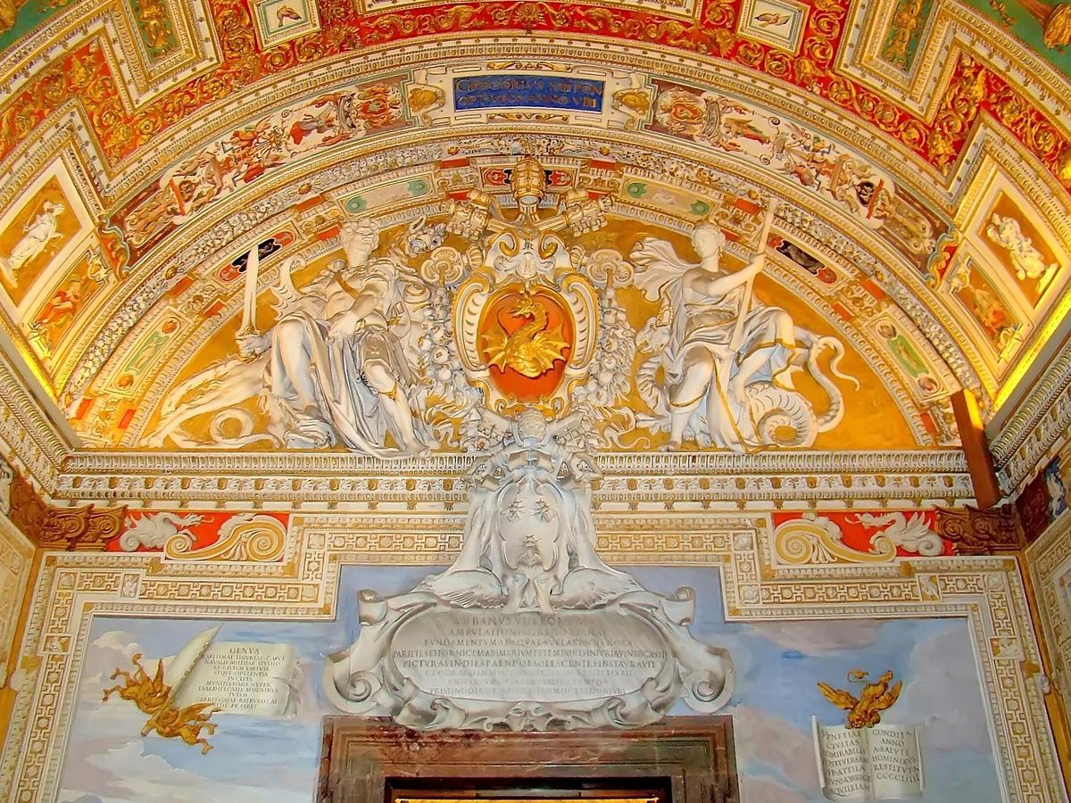 Giorno 2 - Tour guidato Musei Vaticani e visita delle principali attrazioni di Roma, Cena libera