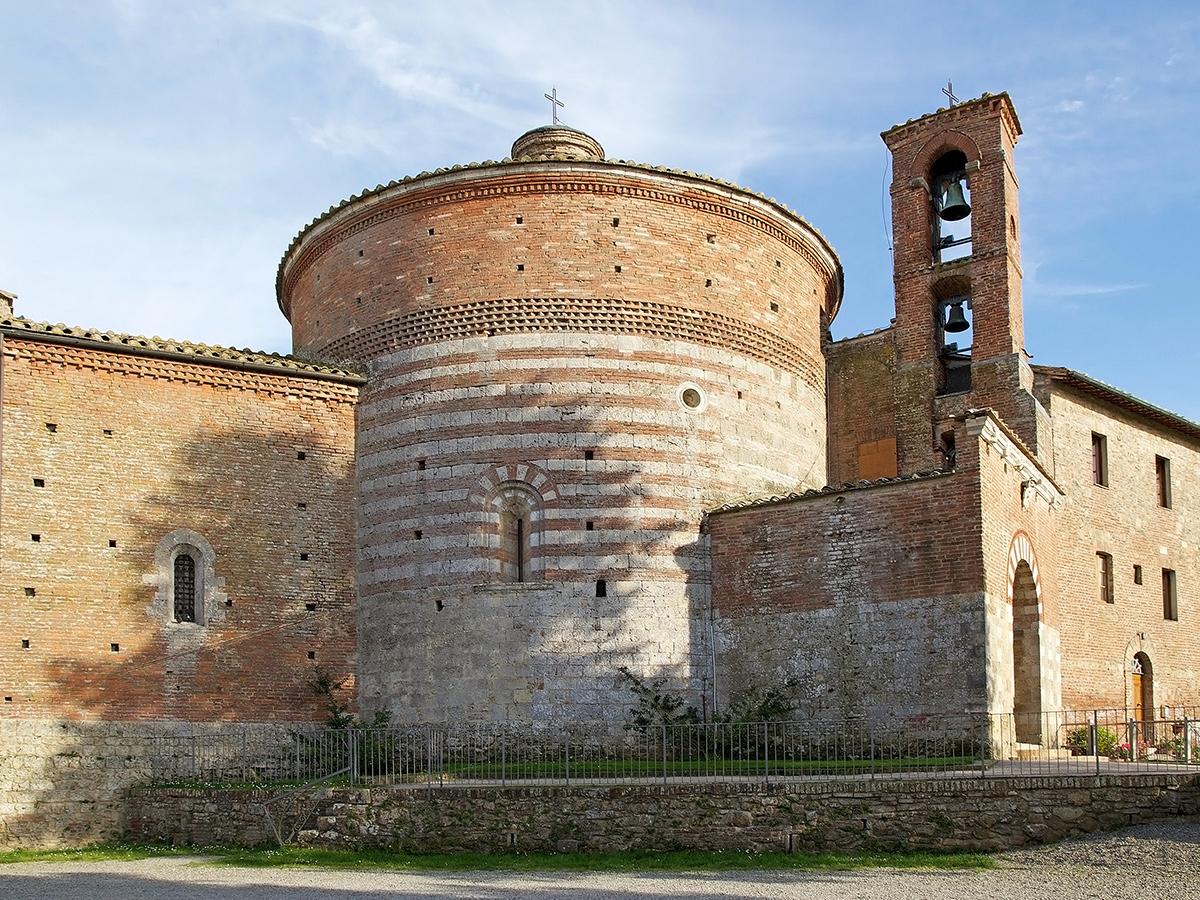 Ore 10.00 Arrivo all'Abbazia di San Galgano e Eremo di Montesiepi