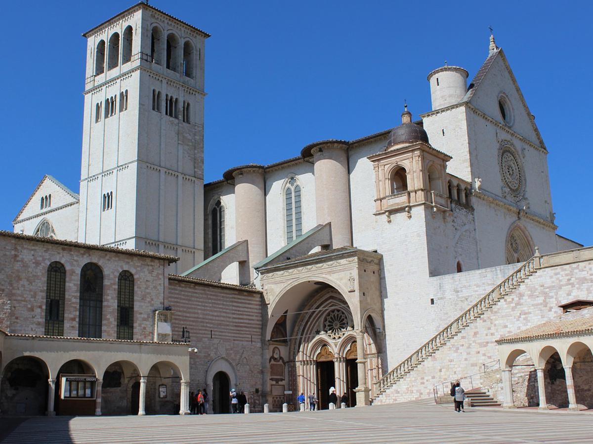 Giorno 3 -  Visita di Assisi e Spoleto e Rientro a Roma