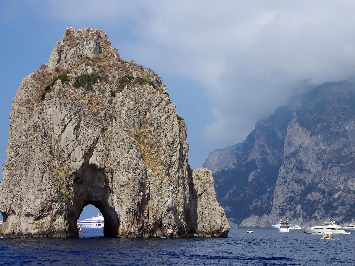 Giorno 3 - Lunedì - Visita Guidata dell'Isola di Capri