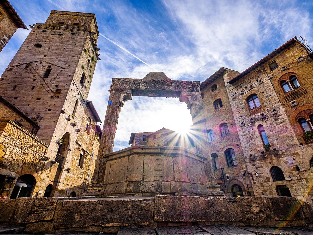 Giorno 3 - Check out, San Gimignano e Tenuta per Pranzo Degustazione