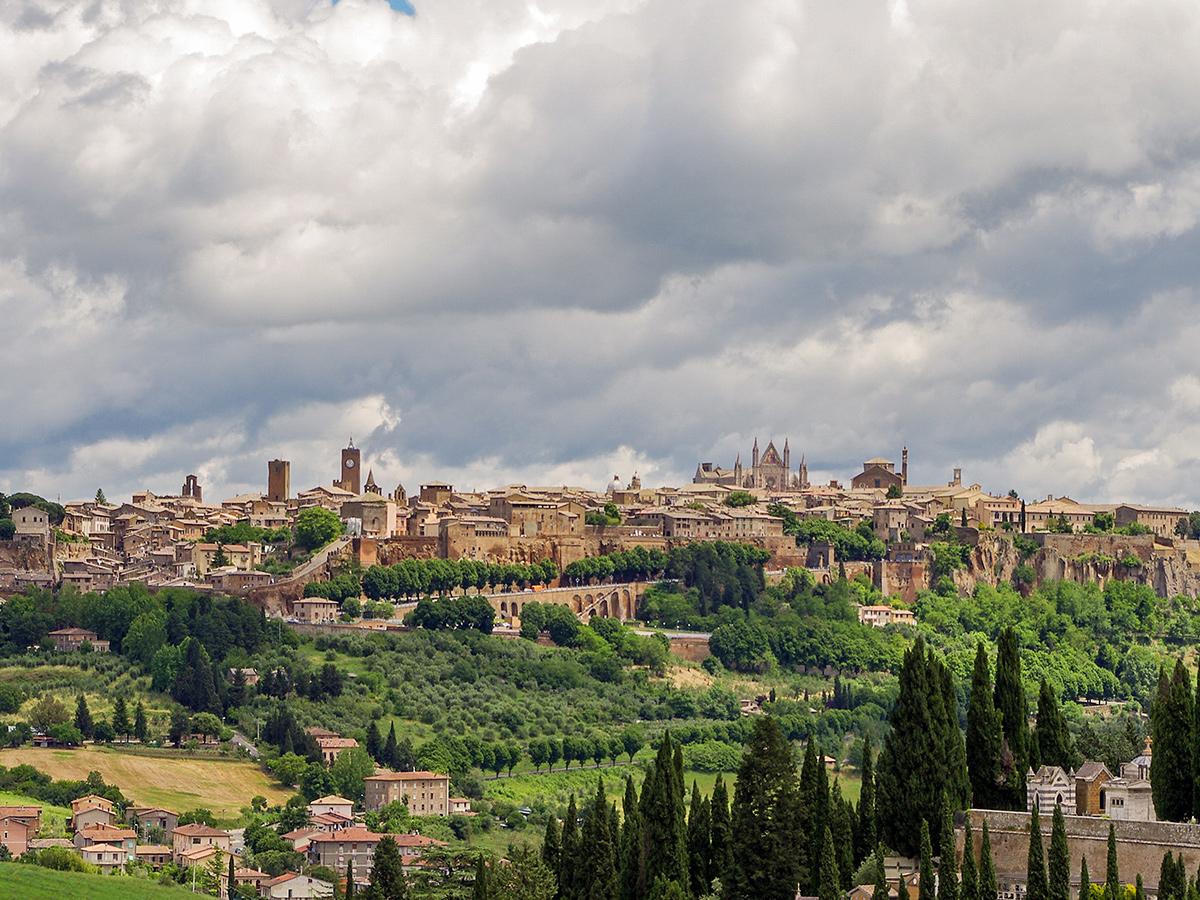 Giorno 1 - Trasferimento da Toscana a Bolsena, Stop a Orvieto, Check in hotel