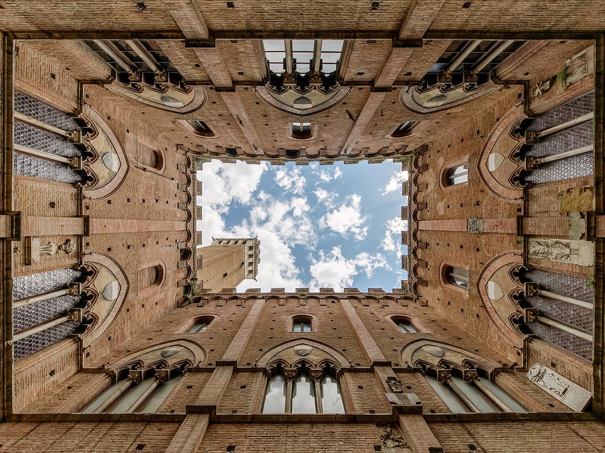 Sabato - Giorno 8 - Check out, Visita di Siena e rientro a Roma