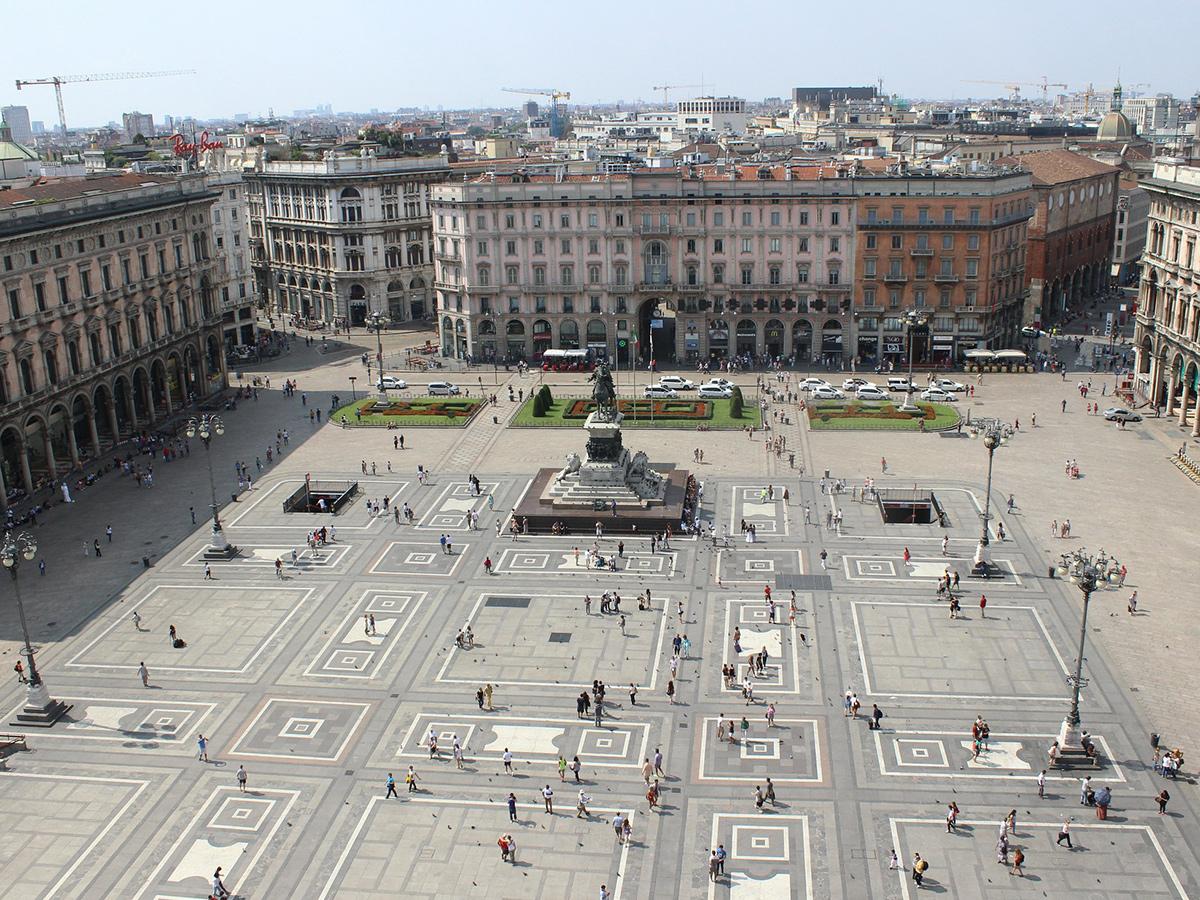 Ore 13.30 Visita di Via Dante e Piazza Cordusio